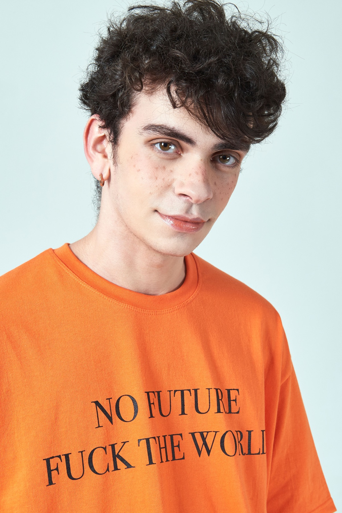 ORANGE NO FUTURE T-SHIRTS