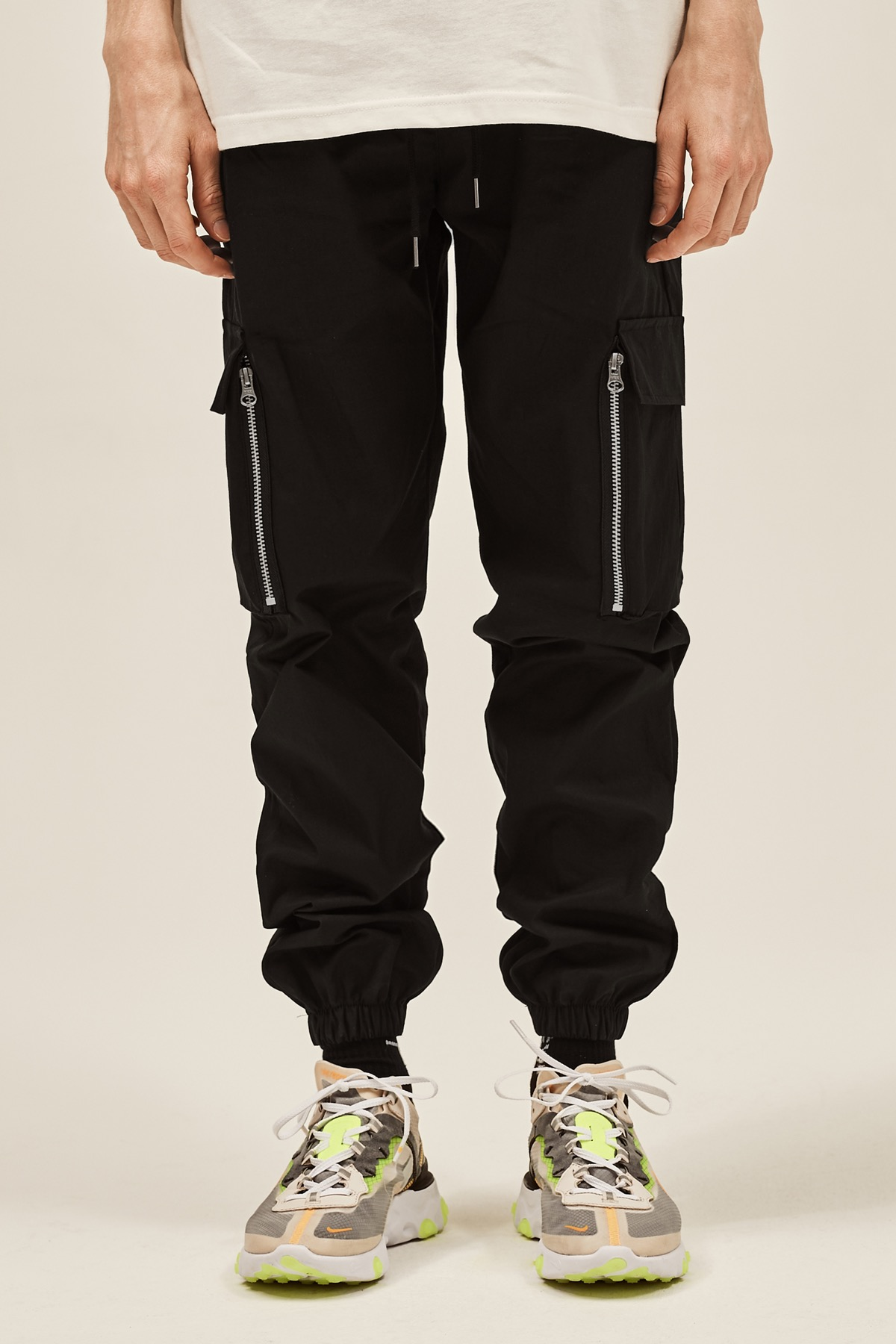 BLACK CARGO ZIPPER JOG PANTS V2