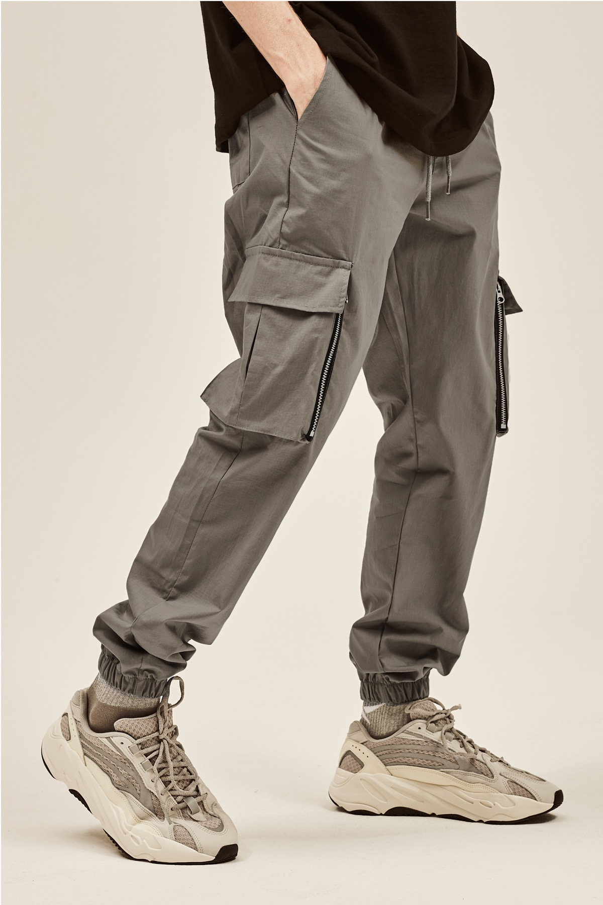 GRAY CARGO ZIPPER JOG PANTS V2