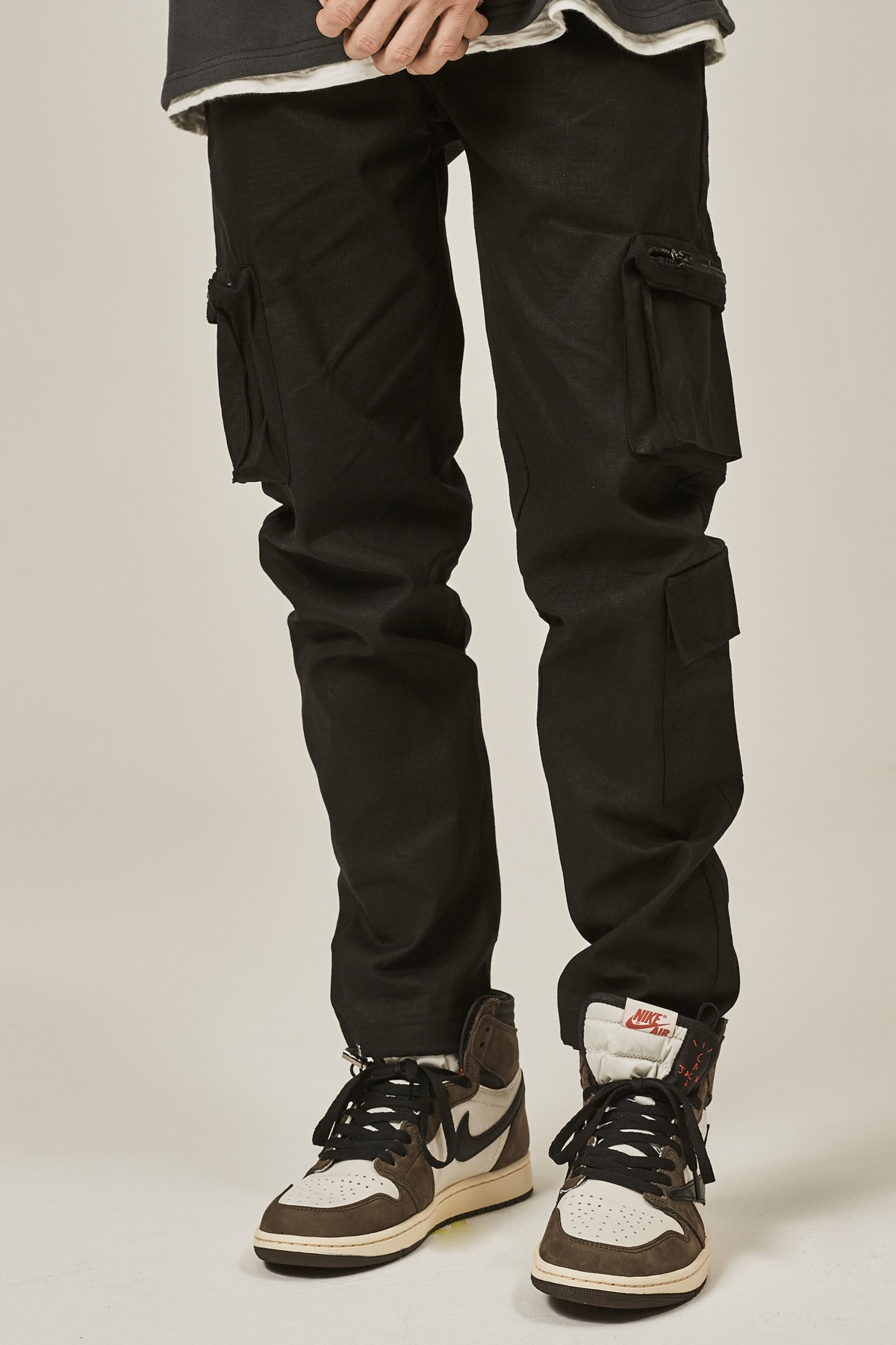 BLACK CARGO ZIPPER STRING PANTS