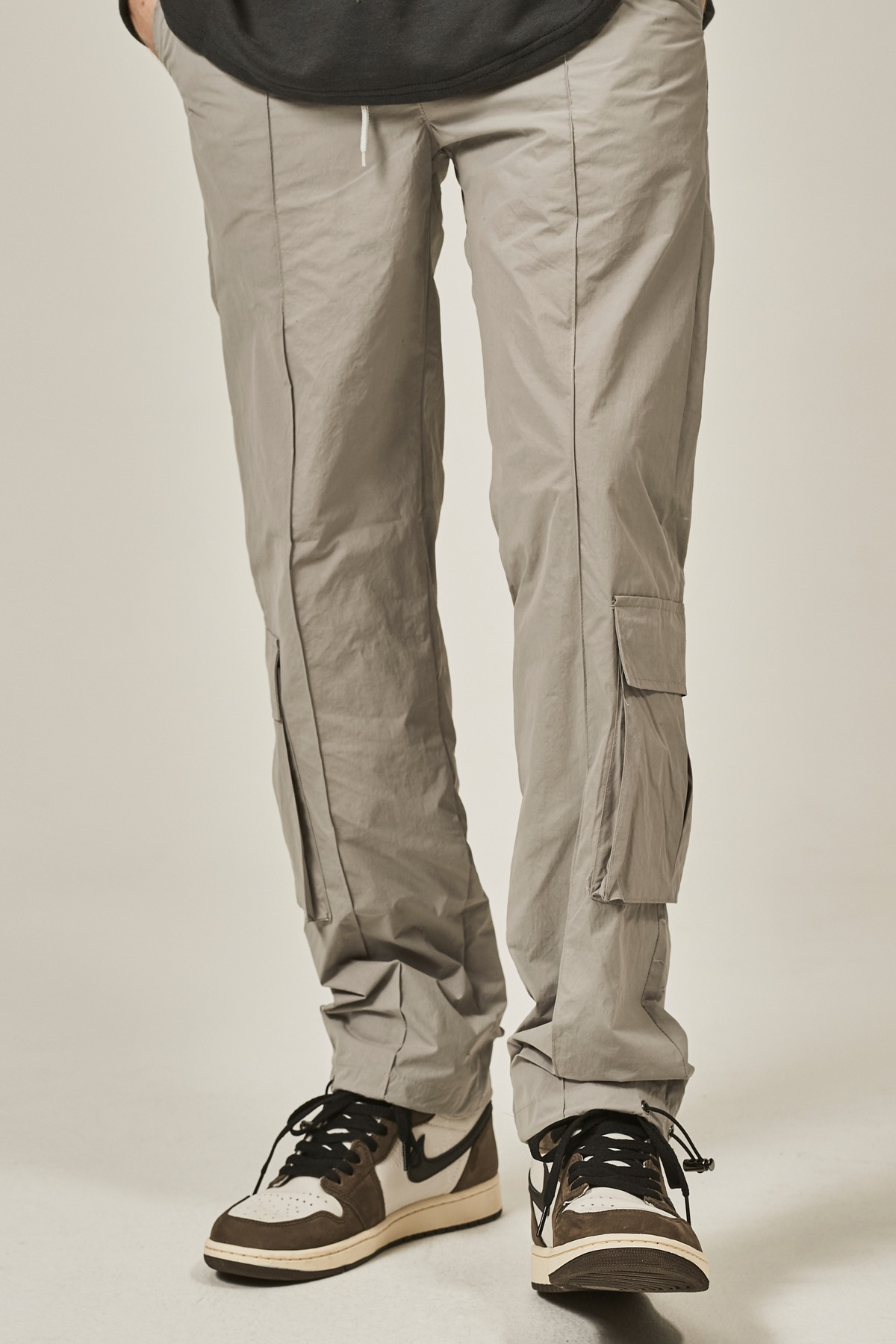 GRAY PINTUCK CARGO STRING PANTS