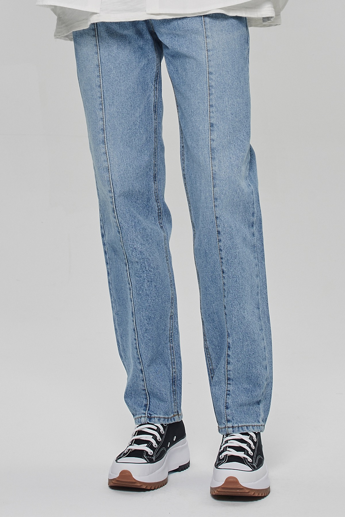 LIGHTE BLUE VERTICAL REGULAR STRAIGHT JEANS