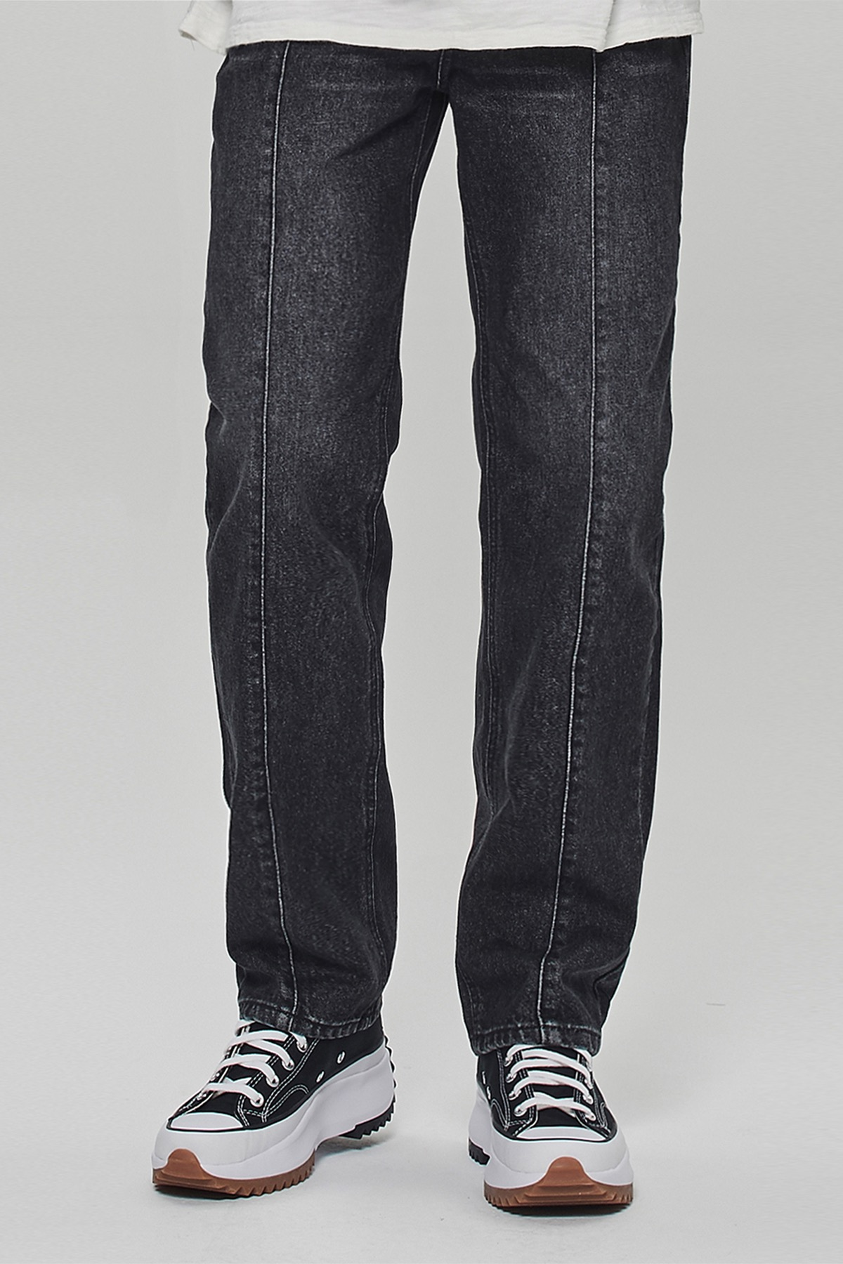 BLACK VERTICAL REGULAR STRAIGHT JEANS