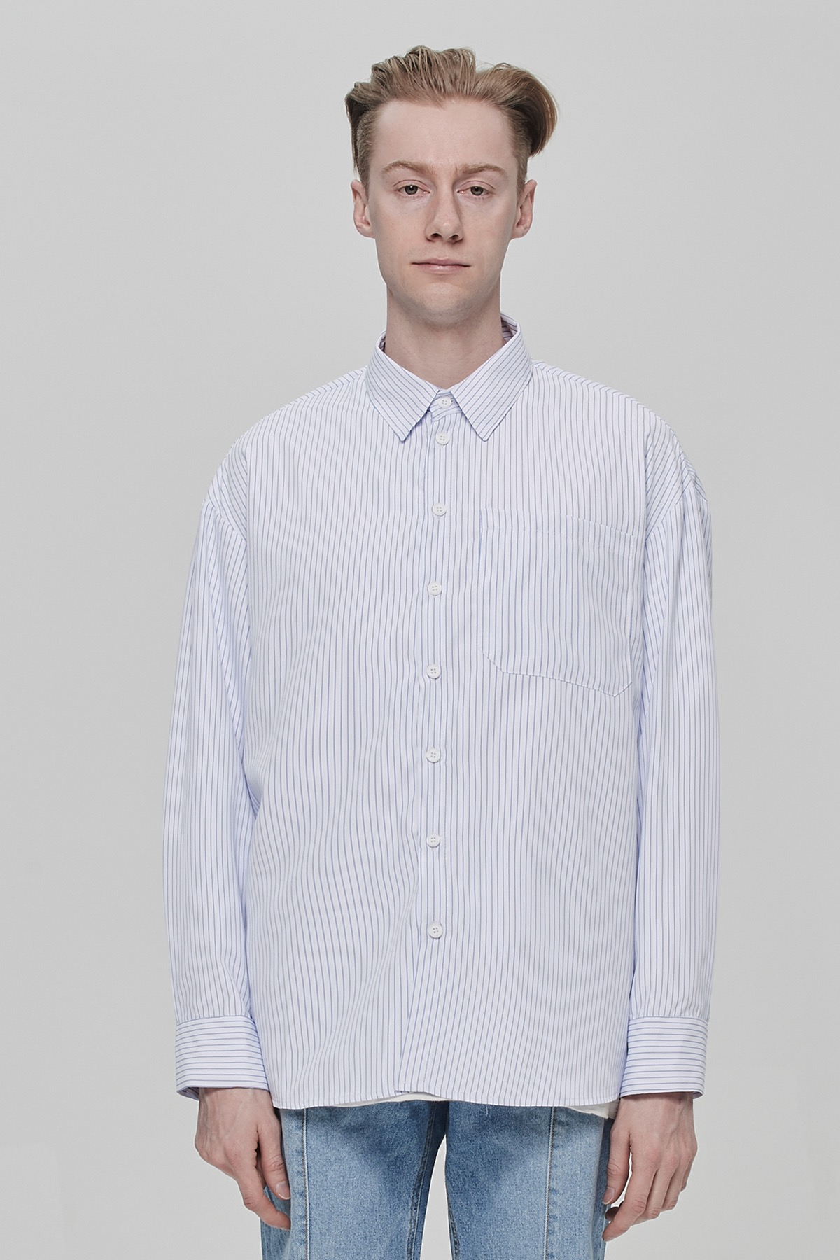 WHITE STRIPE OVERSIZE SHIRTS