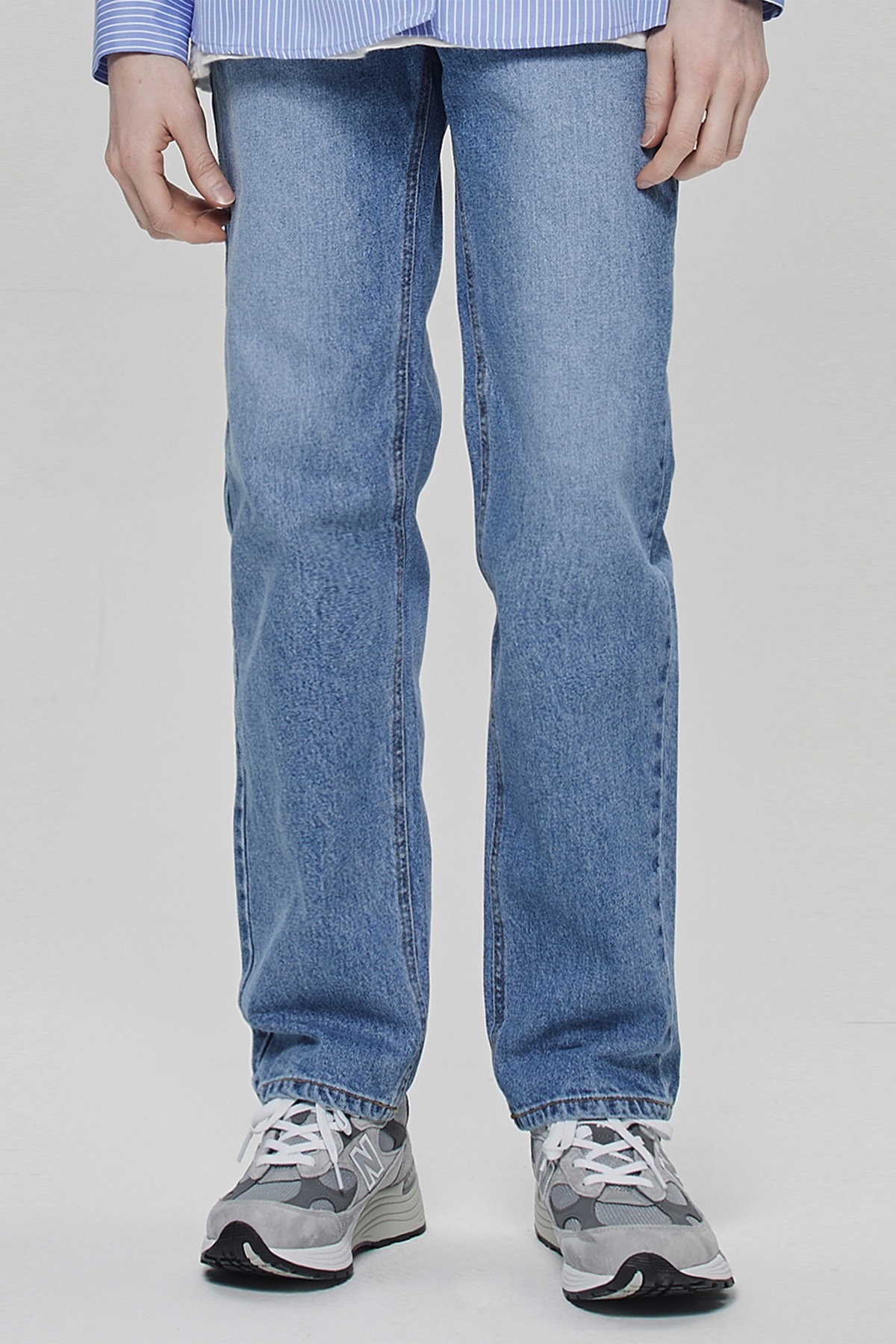 STONE BLUE REGULAR STRAIGHT JEANS